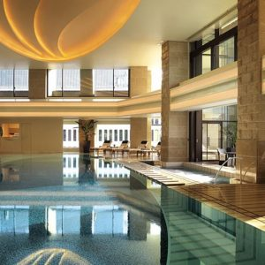 the-peninsula-tokyo-the-peninsula-spa-pool